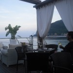 Apperitivo am Strand von Noli in Ligurien