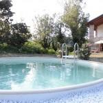 Der Pool des Casa al Tanaro